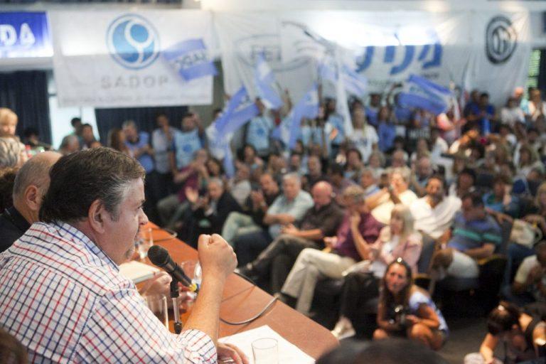 Los Sindicatos docentes nacionales acordaron componer un FRENTE de lucha.