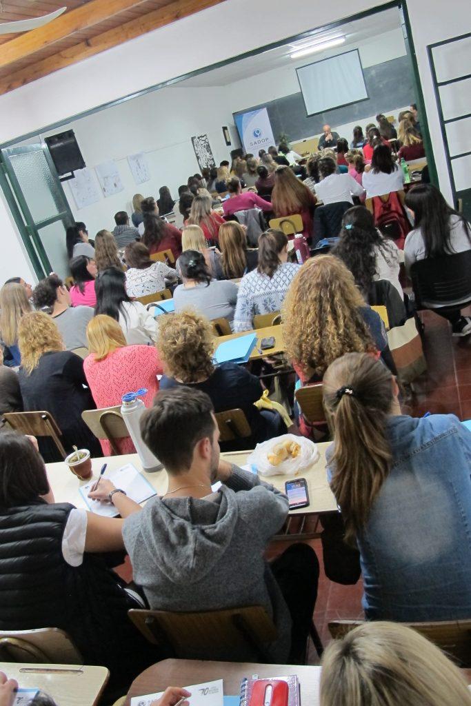 Inició el Seminario: Escenarios Educativos actuales y la práctica del oficio docente.