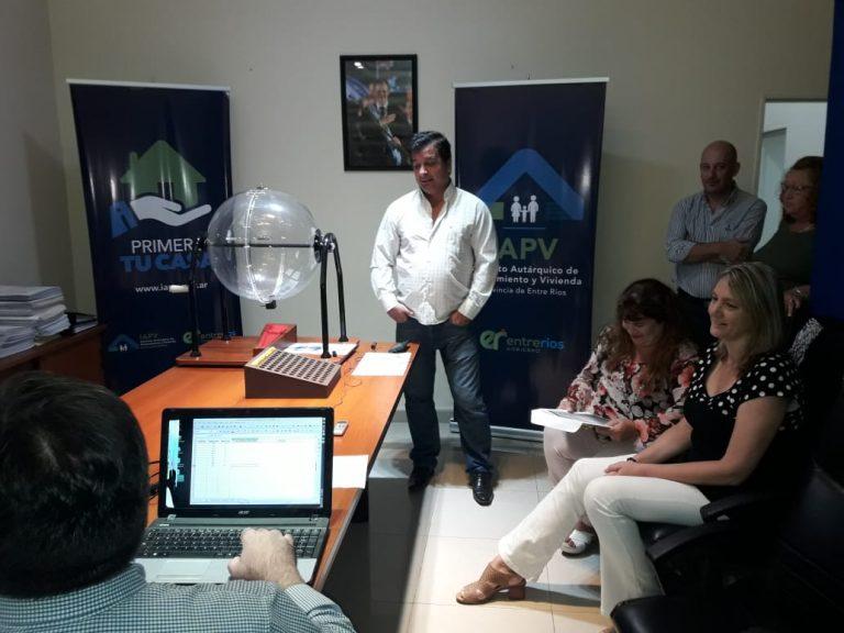 IAPV sorteó ubicaciones de viviendas de SADOP en Viale