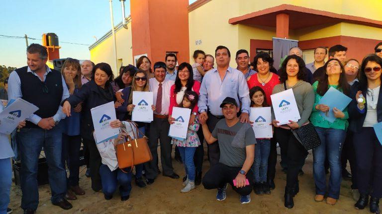 IAPV y SADOP entregaron viviendas en Chajarí