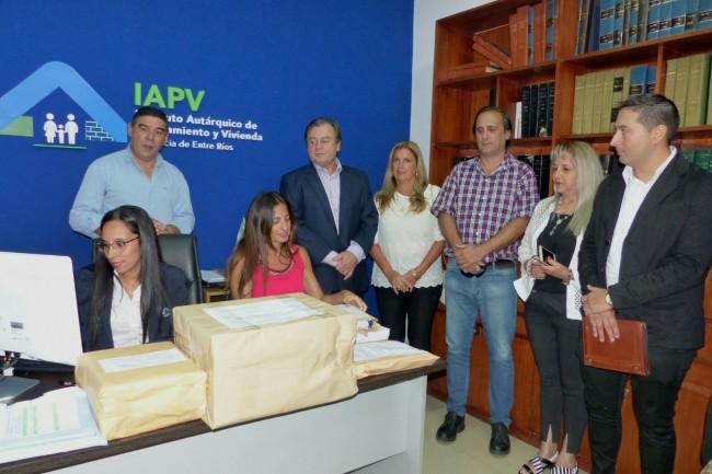 Nuevas viviendas IAPV-SADOP y AMET en Diamante
